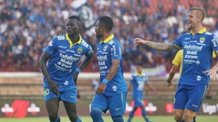 Arema FC Putus Asa Buru Ezechiel NDouassel dari Persib Bandung Mario Gomez Siapkan Striker Asing Ini