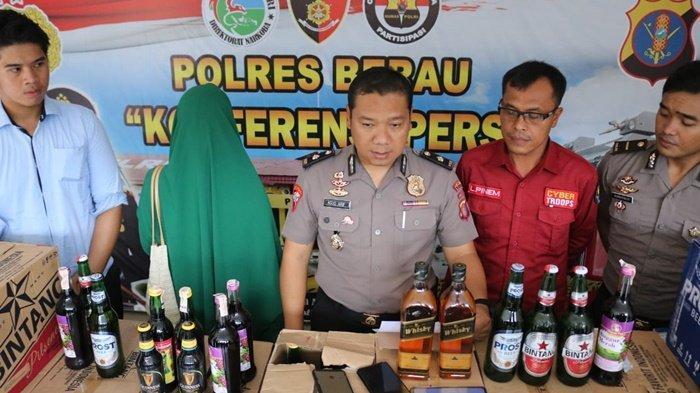 Jual Miras, Ibu Rumah Tangga di Tanjung Redeb Diamankan Polres Berau, Ratusan Botol Miras Disita