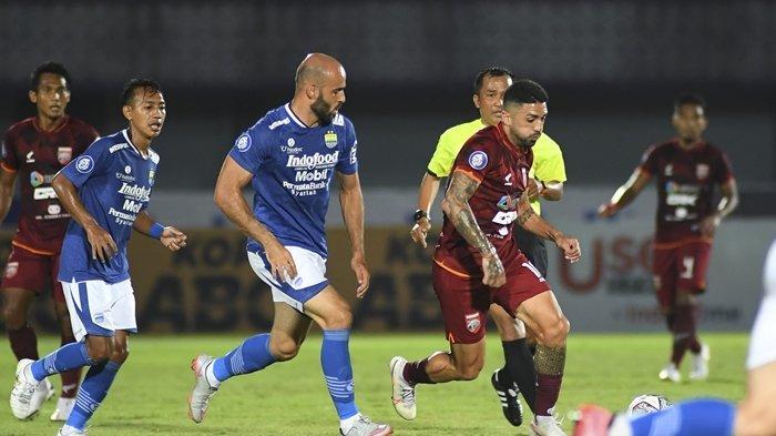 Laga Persib Bandung kontra Borneo FC, pada laga di pekan ke-4 BRI Liga 1 2021. Cek hasil dan top skor Liga 1 BRI 2021, Bali United bertengger di Puncak klasemen sementara Liga 1, Paulo Henrique 5 Gol