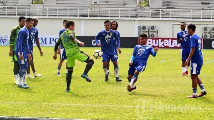 Persib Bandung vs Persiwa Wamena, Pelatih Tim Tamu Ubah Strategi untuk Menang Lawan Maung Bandung