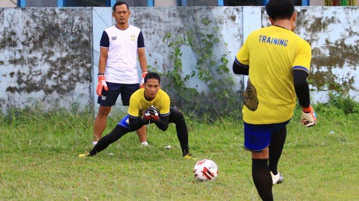 Melawan Mitra Kukar, Pelatih Kiper Jarot Tak Dampingi Persiba Balikpapan, Begini Alasannya