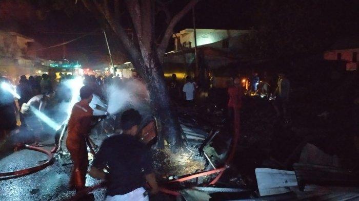 Polisi Selidiki Penyebab Kebakaran yang Hanguskan Rumas dan Kios di Juata Laut Tarakan
