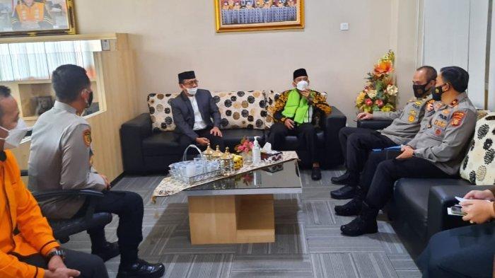 Universitas Balikpapan dan Polda Kaltim Teken Nota Kesepahamanan dan Doakan Prajurit Nanggala 402