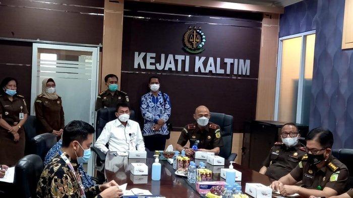 Pimpinan KPK Nawawi Pomolango Temui Kajati Kaltim, Ini yang Dibicarakan