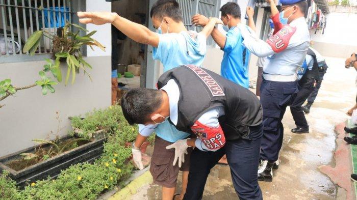 Kamar Hunian Warga Binaan Rutan Tanjung Redeb Digeledah, Petugas Temukan Sajam Rakitan