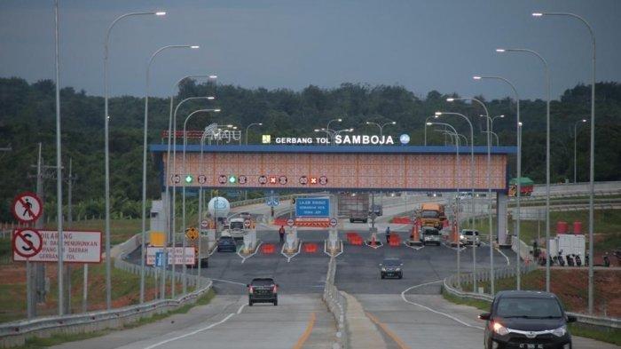 Pintu masuk Tol Balsam di kawasan Samboja, jalan tol Balsam direncankan menjadi akses menuju ibu kota negara, Presiden jokowi minta akses dari Balikpapan melalui jalan tol ke IKN bisa ditempuh 30 menit