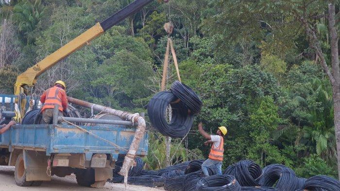Tingkatkan Kedaulatan Negara, PLN Listriki 19 Desa di Perbatasan Indonesia-Malaysia, Capai 90 Persen
