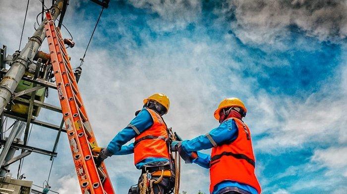 PLN menyiagakan sebanyak 23.934 personel khusus di Jawa - Madura - Bali guna memastikan pasokan listrik tetap terjaga saat PPKM Darurat.