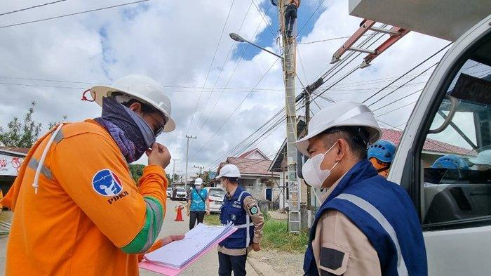 Pastikan Gerebek Penyulang Lancar, GM PLN UIW Kaltimra Lakukan Inspeksi Lapangan ke Tenggarong