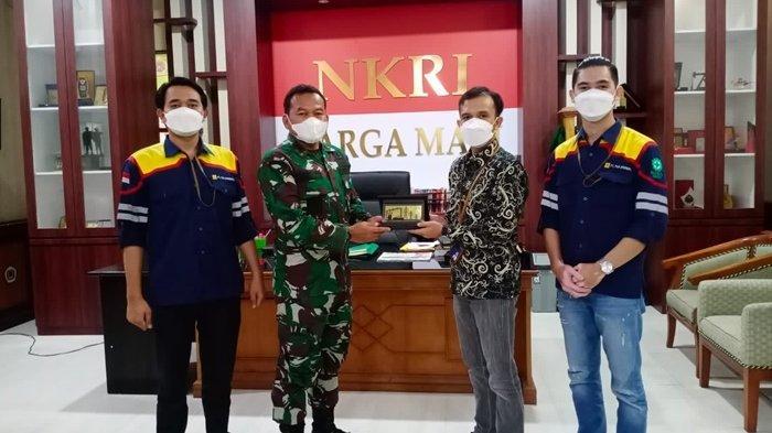 PLN UIP Kalbagtim saat bertemu dengan Dandim 0909 Kutim Letkol CZI Heru Aprianto, Kamis (7/10/2021) lalu.
