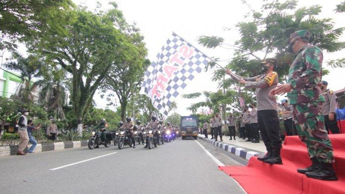 TNI-Polri Kirimkan Bantuan Sembako untuk Warga Balikpapan yang Terdampak PPKM Darurat