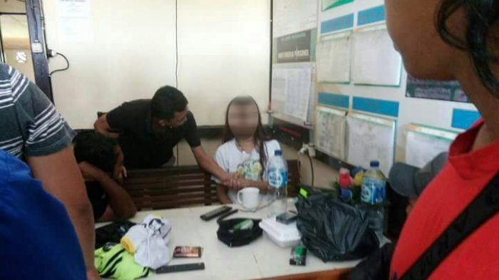 Wanita Asal Sukabumi Naik Motor Tanpa Busana di Bandara, Ini  Pengakuannya yang Mengejutkan