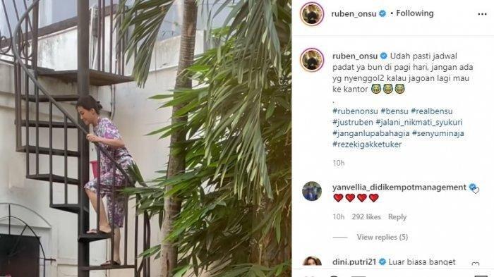 Postingan Ruben Onsu merekam aktivitas Sarwendah saat menjemur pakaian