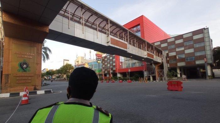 PPKM Darurat Bakal Diperpanjang, Menko PMK: Jokowi Minta Perbanyak Bansos dan Percepat Vaksinasi