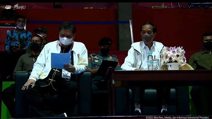 Presiden Jokowi dan Menko Airlangga Nonton Bareng di Arena Wushu PON XX Papua