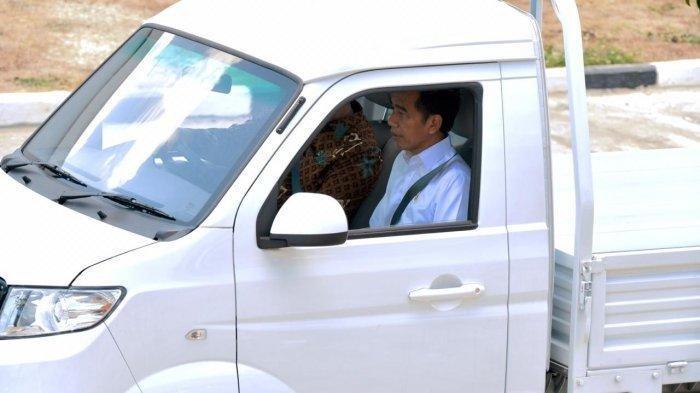 Jokowi Coba Mobil Esemka, Awalnya tak Maksa Beli Tapi Berubah Pikiran Gara-gara Ini