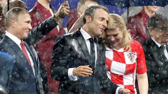 Presiden Kroasia Kolinda Grabar-Kitarovic, Rela Basah Kuyub saat Penyerahan Trofi Piala Dunia