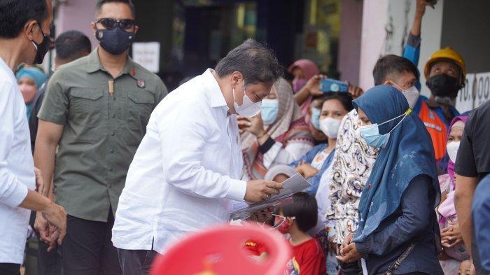 Ke Yogyakarta, Presiden Jokowi dan Menko Airlangga Resmikan Bantuan Tunai Warung dan PKL