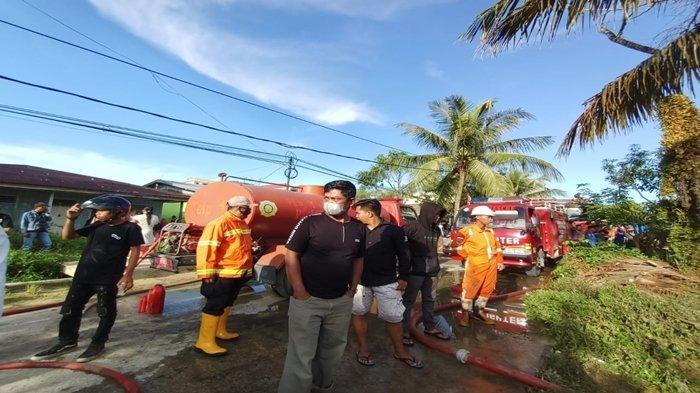 Tim Pemadam Sempat Alami Insiden Kecelakaan saat Menuju Lokasi Kebakaran di Gunung Lingkas Tarakan