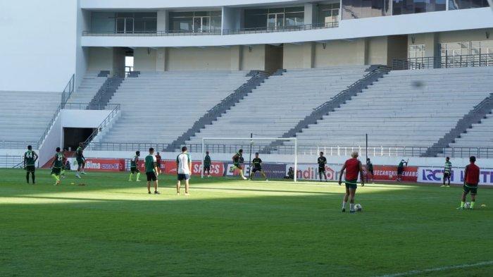 Jelang Laga Usiran Persebaya vs PSM Makassar di Balikpapan, Bajul Ijo Jalani Official Training