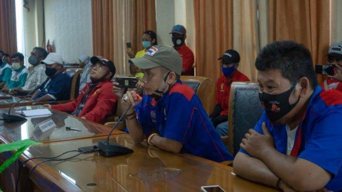 May Day, Puluhan Buruh Berkeluh Kesah di Gedung DPRD Kutim, Singgung Klaim BPJS Ketenagakerjaan