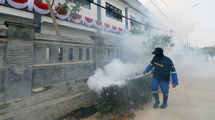 Dukung Pemerintah Berantas DBD, Pupuk Kaltim Kerahkan 9 Alat Fogging Asapi 4 Kelurahan Bontang