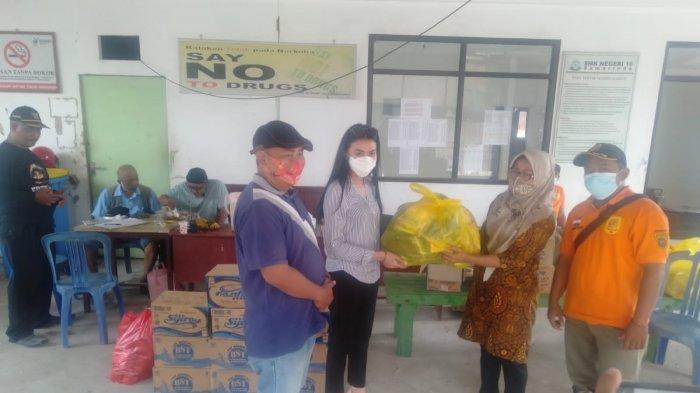PW KBBKT Serahkan Bantuan Bagi Korban Banjir di Kelurahan Bengkuring Samarinda