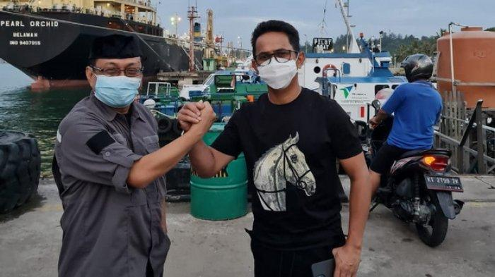 Silaturahmi, Ajak Rektor Uniba Isradi Zainal, Rahmad Masud Kemudikan Speedboat Kunjungi Kapal Tanker