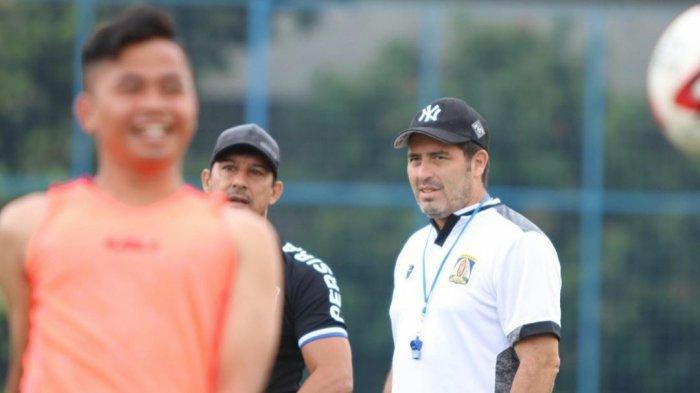 Arsitek Lapangan Persiba Balikpapan Angel Alfredo Vera sudah Rindu Kompetisi