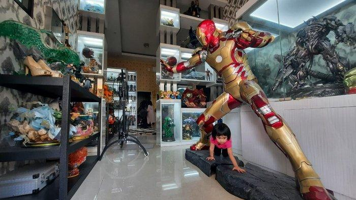 Rio Iraman Koleksi Puluhan Action Figure Marvel hingga Naruto, Berburu ke Hong Kong Demi Iron Man