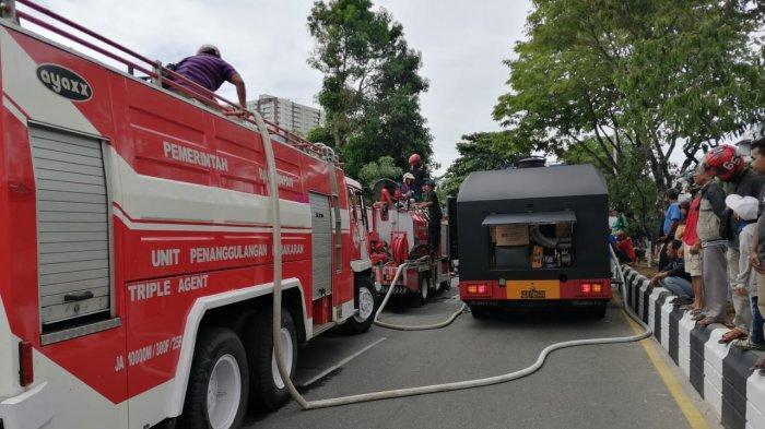 Mobil AWC Brimob Kaltim dalam Kebakaran di Asrama Polisi Balikpapan, Begini Perannya