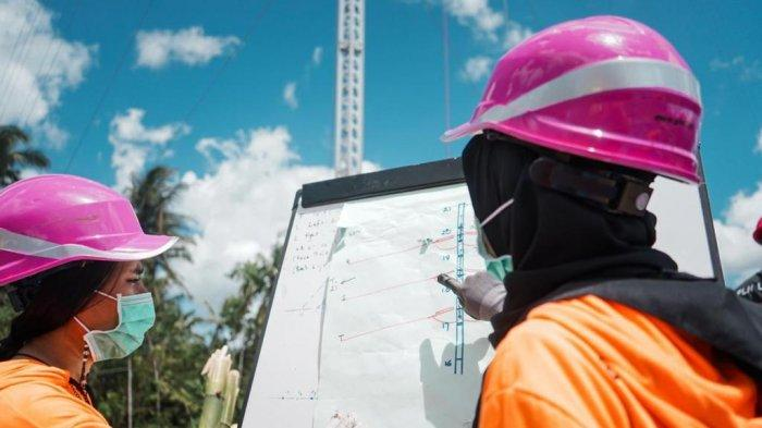 Kiprah Dua Srikandi PLN Ikut Dirikan Tower Listrik Darurat di NTT Akibat Badai Siklon Tropis Seroja