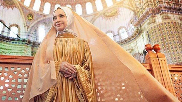 Gagal Capai Target Tahun Lalu, Rossa Berniat Khatam Bacaan Kitab Suci Al Quran Bulan Ramadhan 2019