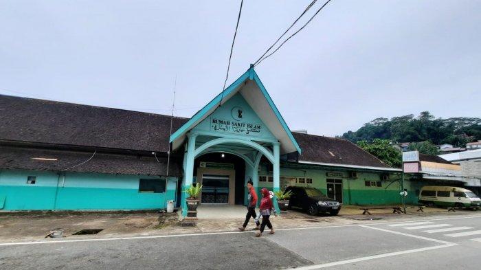 FASILITAS KESEHATAN - Rumah Sakit Islam Samarinda kini juga aktif untuk menangani pasien Covid-19 di Kota Samarinda, Provinsi Kalimantan Timur. Pihak Rumah Sakit Islam melakukan penanganan pasien Covid-19, mulai dari pasien kondisi ringan hingga sedang, Sabtu (31/7/2021).