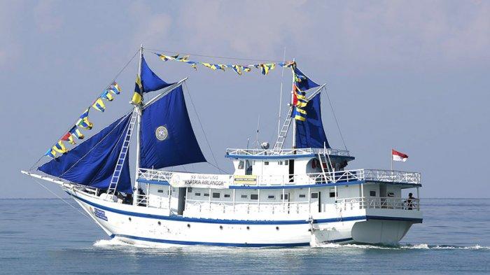 Kapal RST Ksatria Airlangga Ubah Haluan dari Alor ke Lokasi Tsunami Donggala dan Palu
