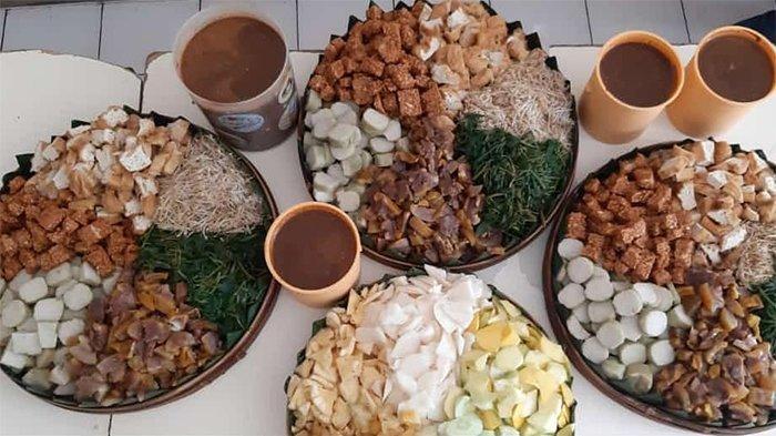 Rekomendasi Tempat Makan Rujak Cingur di Kota Surabaya, Bumbu Petisnya Kental dan Legit