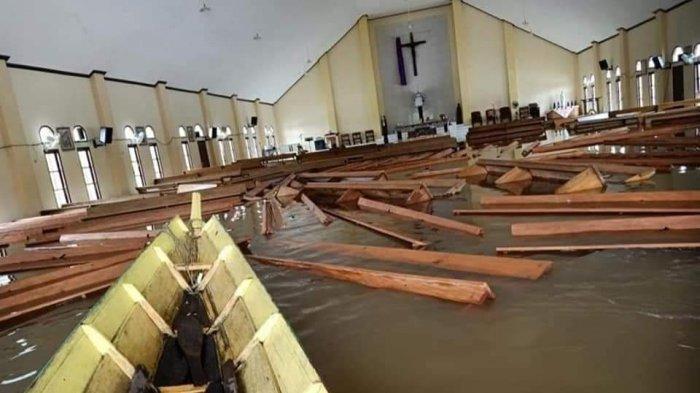 Salah satu rumah ibadah yang terendam banjir di Kabupaten Mahulu pada Kamis(15/7/2021) pagi.