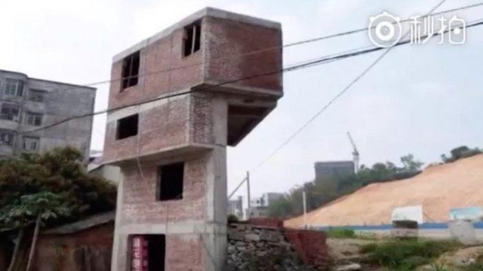 Gara-gara Dibongkar Pemerintah, Seorang Pria Bangun Rumah 4 Lantai di Lahan Sempit