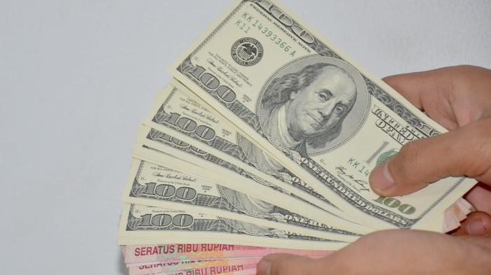 Kurs Jual Dollar AS  Tembus Rp 15.000 di Bank Mandiri, BCA, dan Bank CIMB