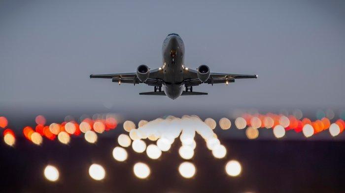 Kenapa Tidak Boleh Tidur Ketika Pesawat Lepas Landas dan Mendarat? Ini Penjelasan Lengkapnya