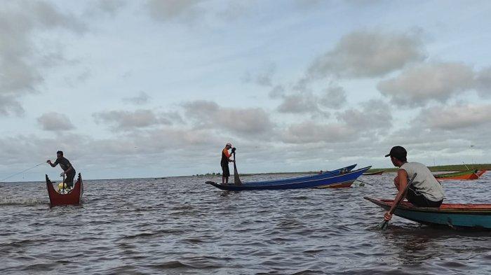 Ragam Lomba Disajikan Dalam Festival III Danau Semayang Kutai Kartanegara