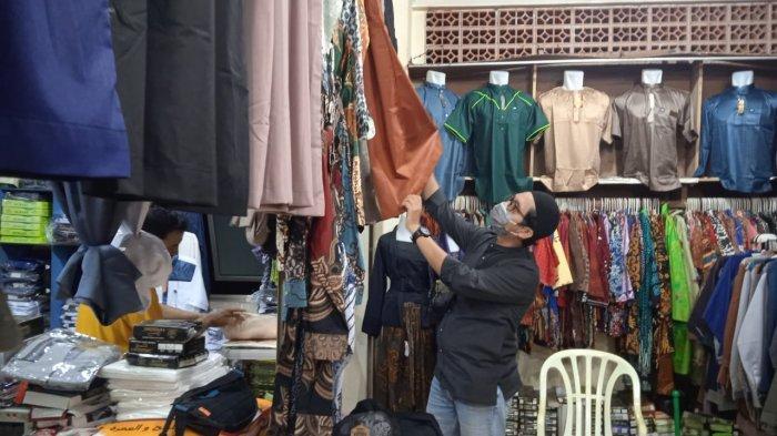 Jelang Idulfitri, Omzet Penjualan Baju Muslim di Kabupaten Paser Meningkat hingga 70 Persen