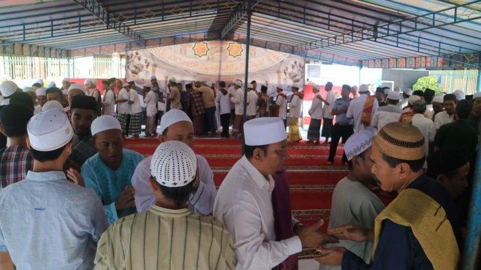 Warga Surabaya Dipastikan tak Bisa Salat Idul Fitri di Masjid, Daerah Asal Mensos Risma Zona Oranye