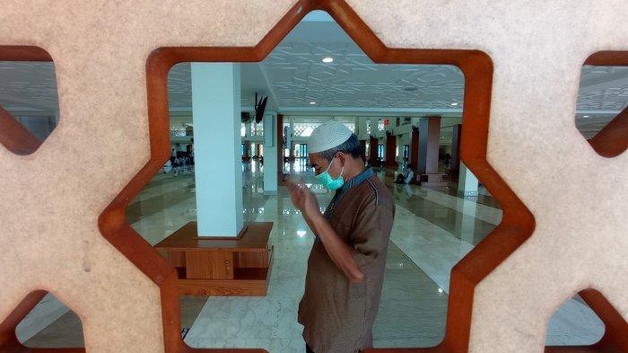 Ramadan Ke-2 di Masa Pandemi Covid-19, Alhamdulillah, Masjid Gelar Salat Tarawih dengan Prokes Ketat