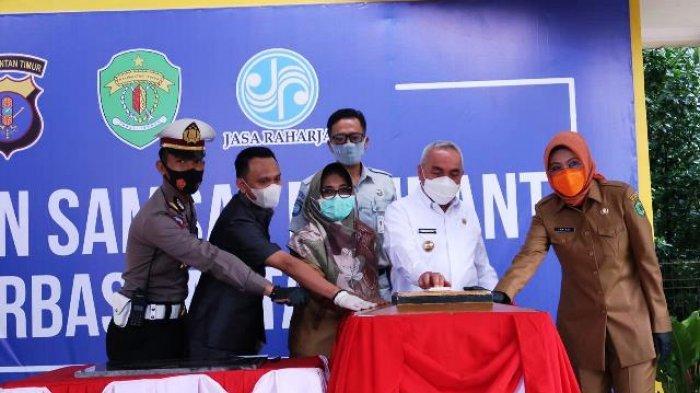 Dekatkan Layanan Pajak Kendaraan Bermotor, Gubernur Resmikan Samsat Pembantu Berbas Pantai