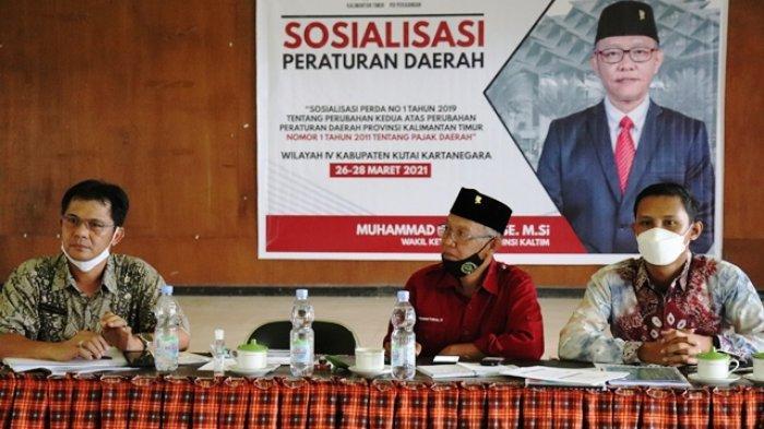 Berikan Edukasi Pajak dan Bela Negara, Samsun Sosialisasi Perda di Loa Duri Ilir Kukar