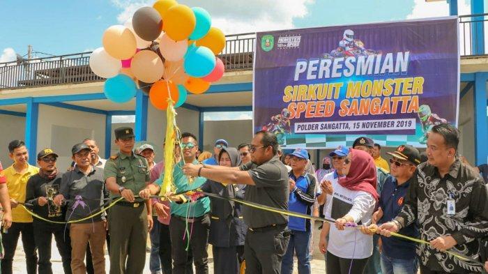 Jadi Percontohan Smart City di Kutim, KasmidiResmikan Wifi Gratis di Polder Ilham Maulana