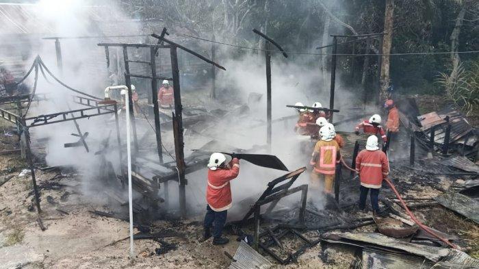 Jago Merah Ngamuk Lalap Satu Rumah di Bontang Lestari, tak Ada Korban Jiwa