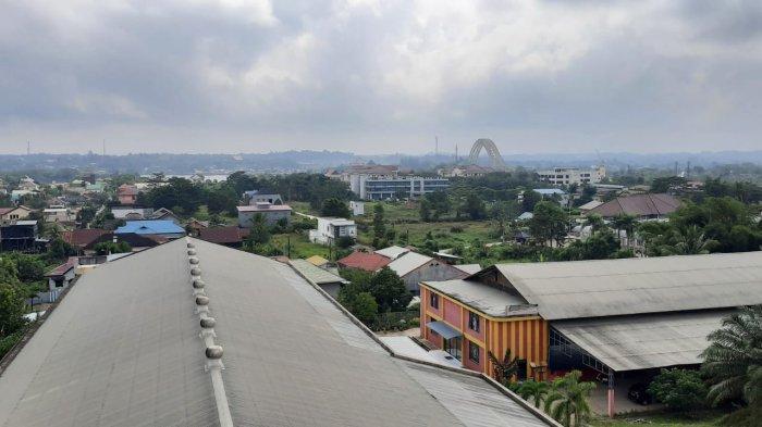 Prakiraan Cuaca Kutai Kartanegara Kamis 14 Oktober 2021 Hujan Disertai Petir di Tenggarong Siang Ini