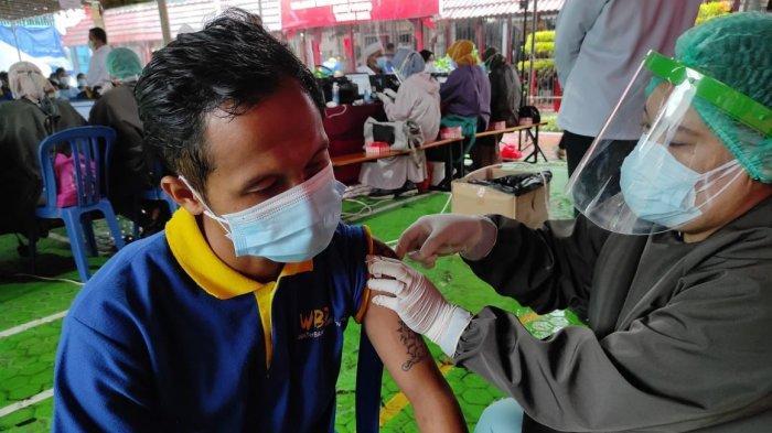 Ratusan Warga Binaan di Lapas Klas IIA Tenggarong Ikuti Vaksinasi Tahap Pertama